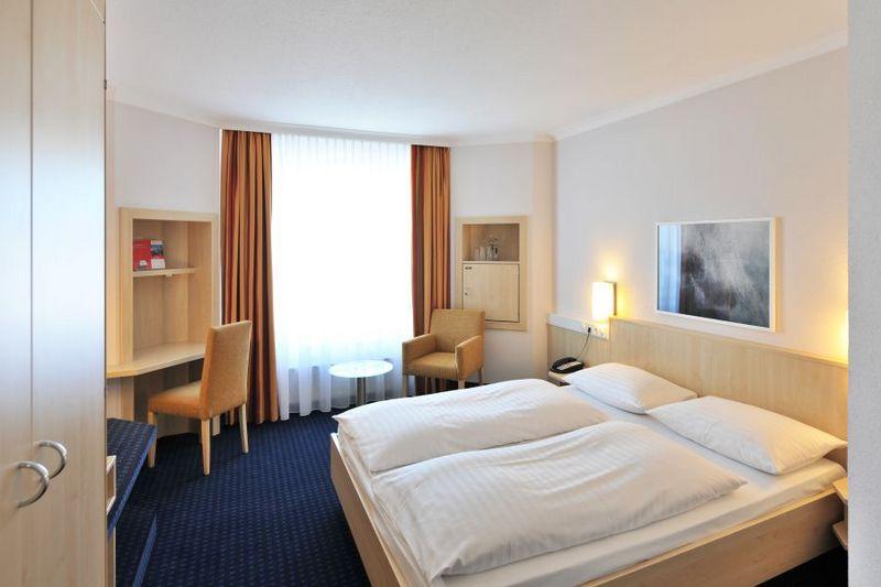 intercityhotel kiel kiel sailing city. Black Bedroom Furniture Sets. Home Design Ideas